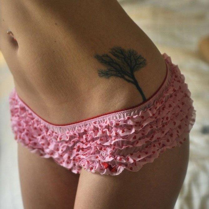 Tattoo Feminina Arvore Sexy