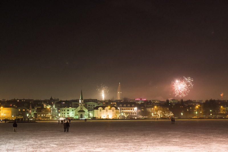 Réveillon 2018 em Reykjavik, na Islândia