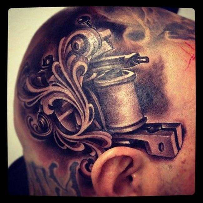 Carecas Tattoo 16