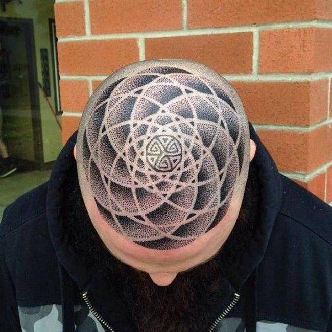 Carecas Tattoo 6